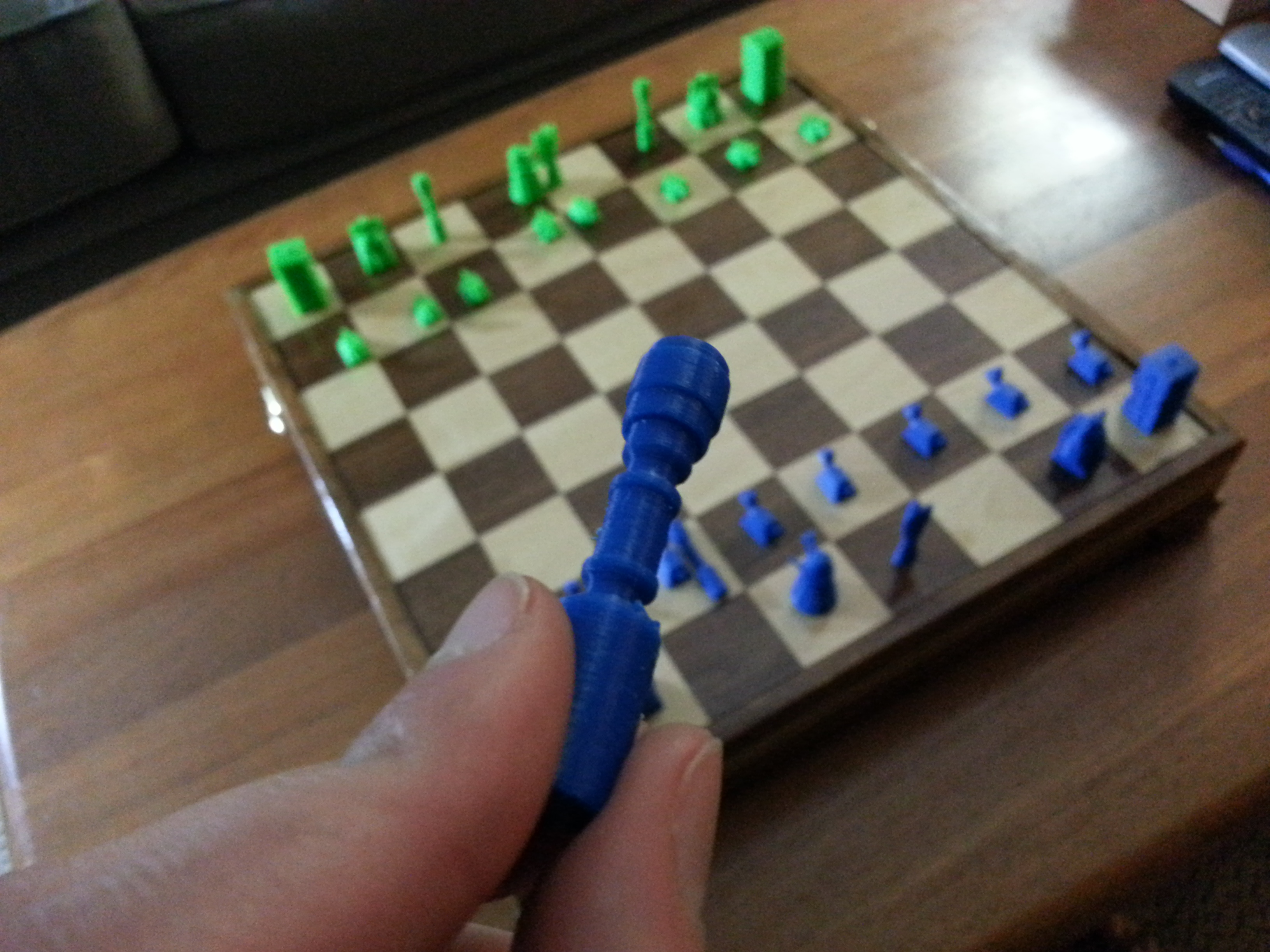 trying to use a sonic screwdriver on wooden chessboard doesn't work